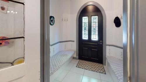 25-Cedar-Ln-Bathroom(3)