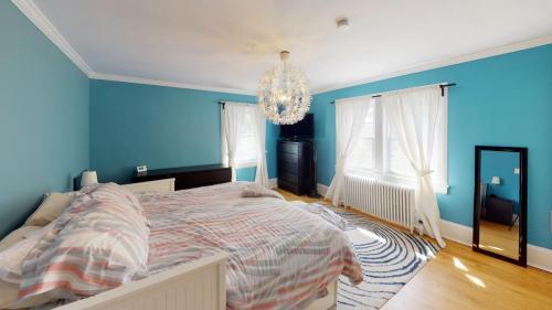 25-Cedar-Ln-Bedroom(2)