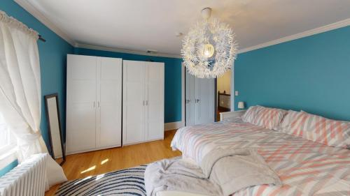 25-Cedar-Ln-Bedroom(3)